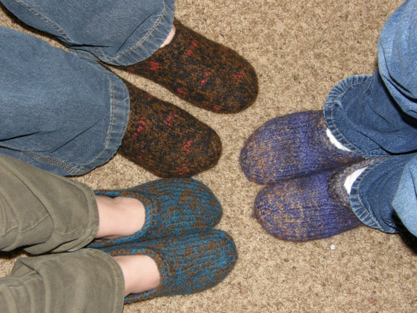 Knitting Pattern For Slippers With Soles : Felted Slippers Facelift! Gettin It Pegged?Loom Knitters Clique