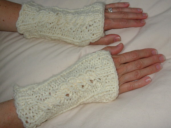 Cabled Mitts by Marilyn