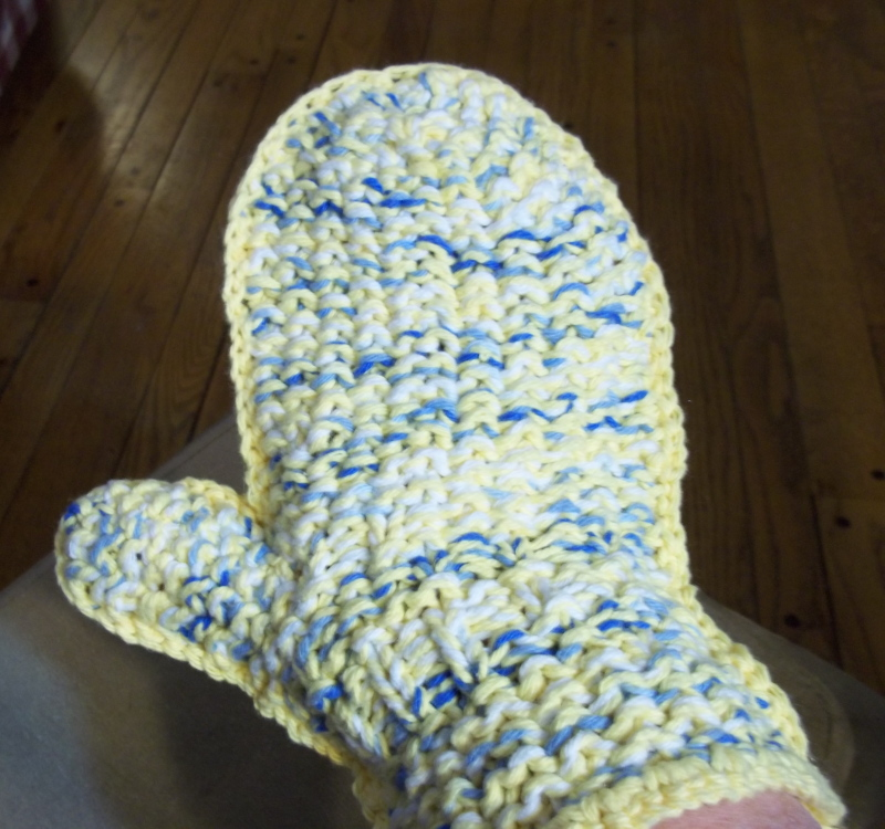 Knitting Pattern Oven Gloves : Oven Mitt by Linda! Gettin It Pegged?Loom Knitters Clique